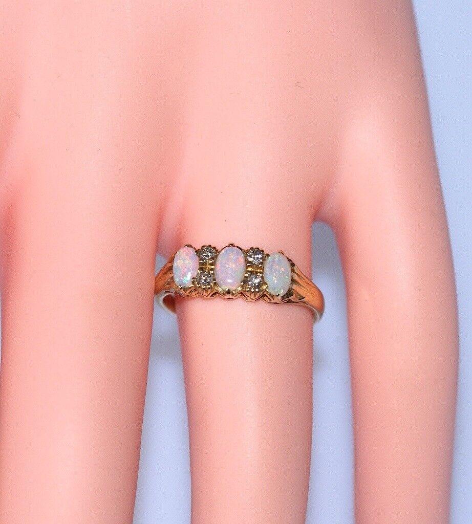 FABULOUS 18CT SOLID GOLD & PLATINUM DIAMOND & OPAL RING SIZE P 1/2 ...