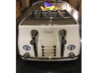 Delonghi Toaster