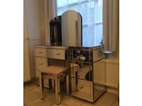 Mirrored furniture bedroom dressing table with chair and 3 way folding mirror excellent condition