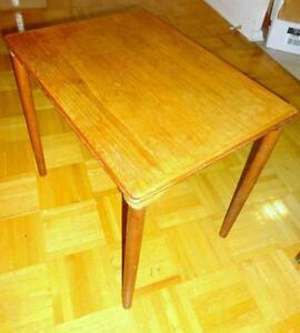 "TEAK SIDE TABLE Mid-Century MCM RETRO DECOR  15.5""X 21.5"" X 19""high SOLID WOOD OAKVILLE 905 510-8720"