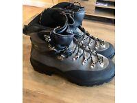 Asolo Granite GTX mens walking boots - Size 10