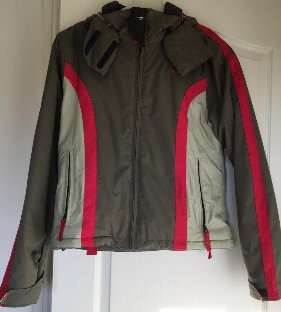 Girls or Ladies Quicksilver Roxy snowboarding jacket, size 3 (UK size 12)