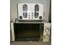 Cream coloured 4 slice toaster for sale, can deliver in North bristol