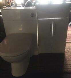 Bathroom sink unit and loo