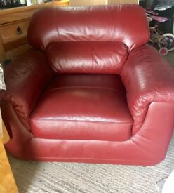 Immaculate red leather 2 seater sofa and chair
