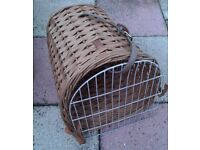 DOG/CAT TRAVELLING BASKET.Two Avalaible.Great condition.See details £ 7 each.