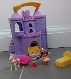 Dora Castle Playset. VGC ! From a smoke free and pet free home.