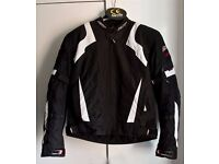 RST BLADE SPORT Black White WATERPROOF CE ARMOURED SPORTS MOTORCYCLE JACKET VGC
