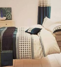 Throwover / bedspread - teal colour in excellent condition