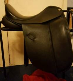 Harry Dabbs Classic Origional Dressage Saddle **NEW**