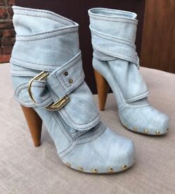 MULBERRY DENIM D RING WASHED DENIM BOOTS. IMMACULATE CONDITION.