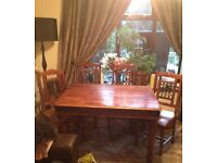 Solid Oak dining table / 4 chairs