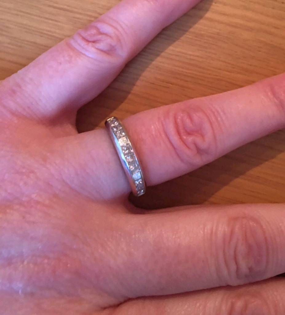 18 carat Diamond Ring | in Wombwell, South Yorkshire | Gumtree