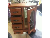Wooden jewellerybox wardrobe