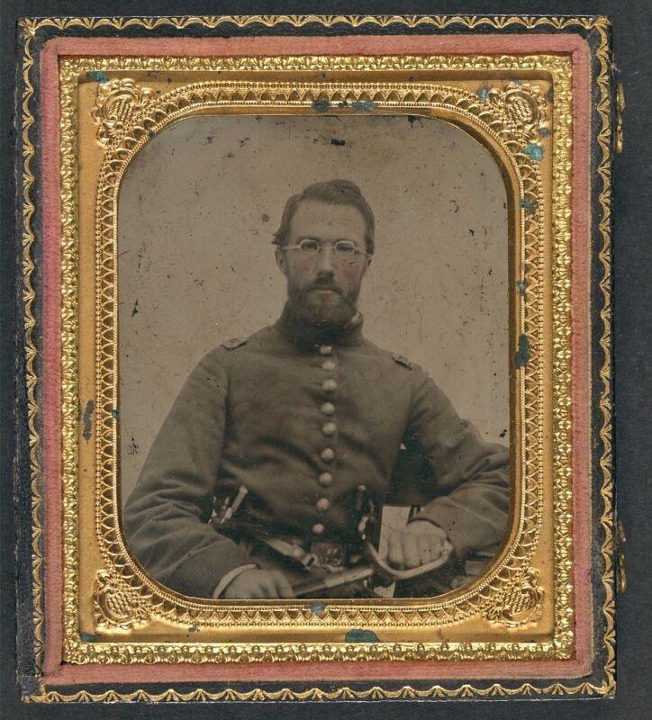 Photo Civil War Union In Uniform With Dual Revolvers & Sword Wearing Eyeglasses
