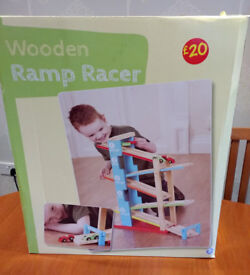 Wooden Ramp Racer (for Child aged 3 plus)