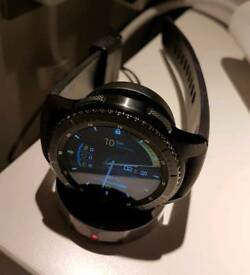 Gear S3 Frontier (Bluetooth Model) + Charger + Extra Milanese Strap