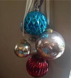Baubles (glass and plastic)
