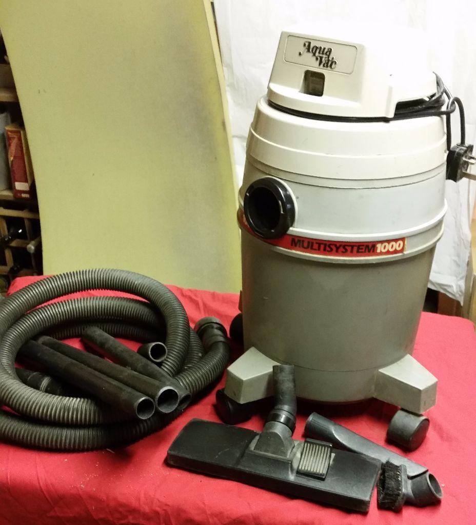 Aqua Vac Vacuum Cleaner Old But Fully Functional In