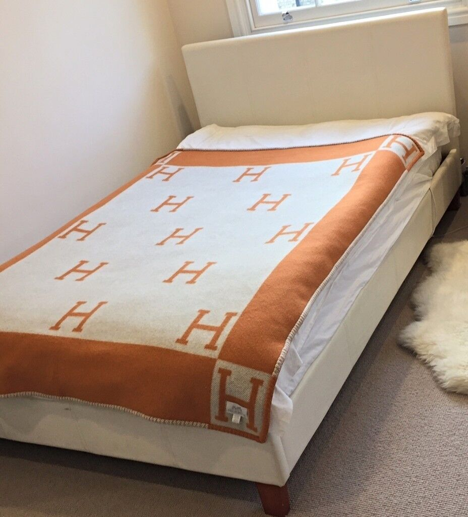 Fabulous White Faux Leather Small Double Bed In Great Shape Tivoli Serene In Westminster London Gumtree Ncnpc Chair Design For Home Ncnpcorg