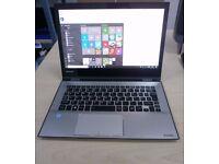 Toshiba Radius 12 Laptop / Tablet - 2 in 1; - i7 6500 - 8gb Ram - 256gb SSD - 4K Screen - USB C