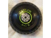 Lawn Bowls - Taylor 'ACE' size 4 for Sale- Excellent Condition