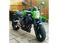 Kawasaki Er6n 2015 650cc green Excellent Condition.