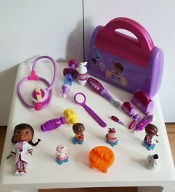 Doc McStuffins Doc bag, doll and extras