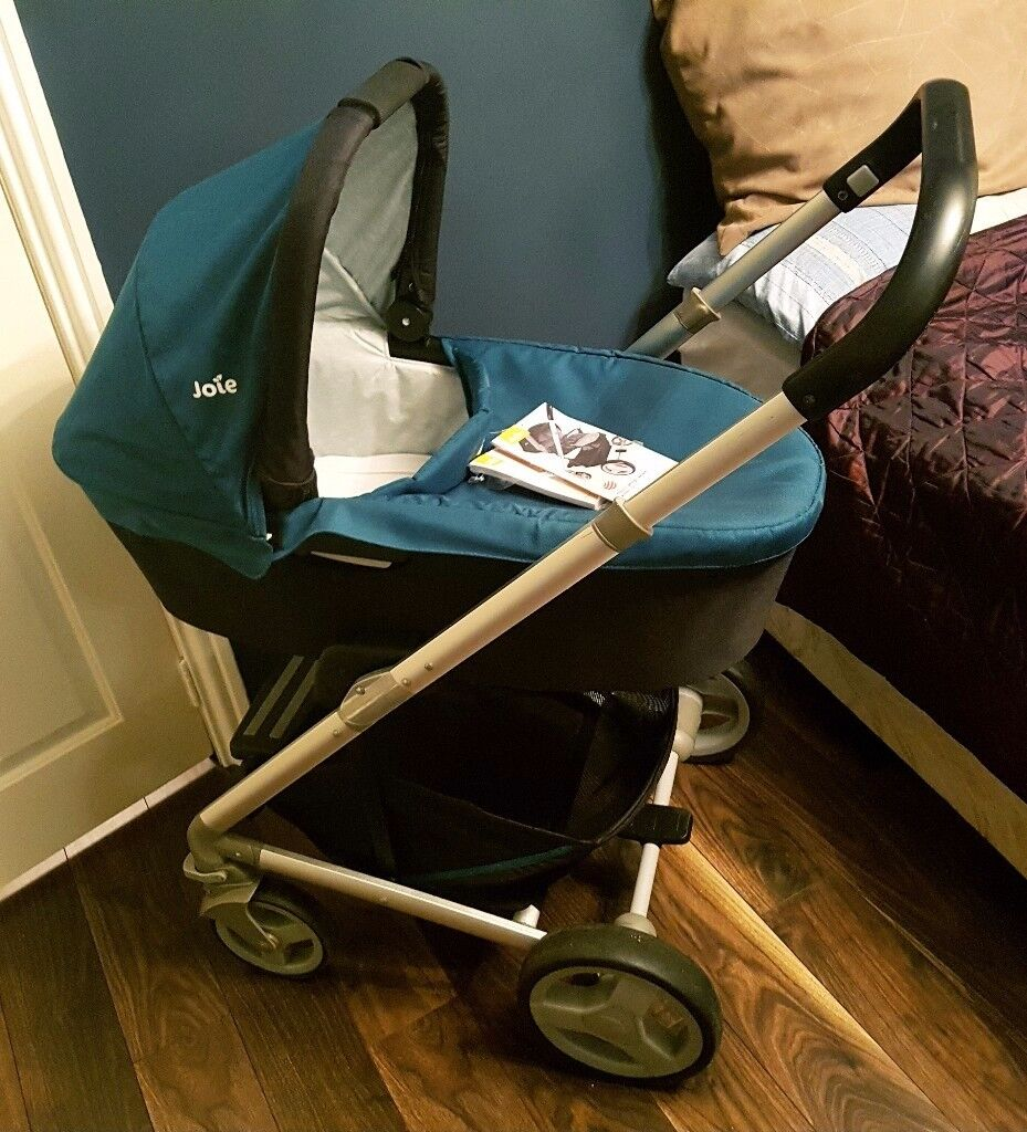 MUST GO*!!! Price drop* Joie Chrome Pram, Carry cot, car seat with chasset and car seat base