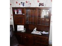 LARGE MAHOGANY CABINET WITH BUILT IN COCKTAIL BAR.GREAT CONDITION FREE OF CHARGE
