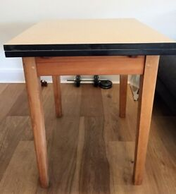Excellent condition Formica table extendable - collect N5