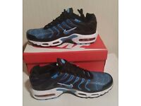 New Nike Air Max Tn essential trainers - New with box - UK SIZE : 6 & 7 available