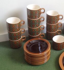 Hornsea Bronte 1977 , 10x cups and saucers