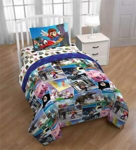 "Super Mario ""Around The World 4 Piece Twin Bedding Set Plus Bonus Tote for Kids"