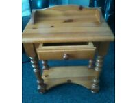 SOLID PINE BEDSIDE TABLE WITH BARLEY TWIST LEGS AND SMALL DRAW VERY NICE PIECE FREE LOCAL DELIVERY