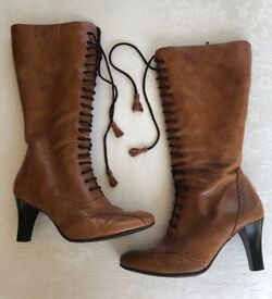 Tan calf length ladies boots - size 6 but fit a 7 - Clarks