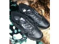 Mens size 8 new black trainers