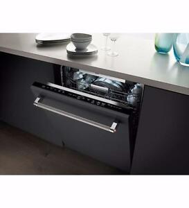 Dishwasher/Lave-vaisselle entièrement intégré 24'', panneau personnalisé, KitchenAid