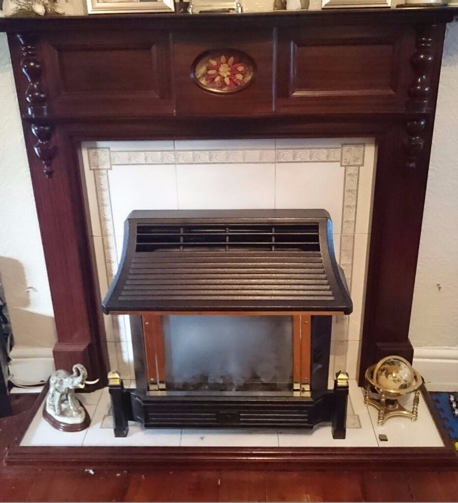 WOODEN FIRE SURROUND AND FIRE (NOT WORKING)