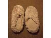 Women's/ladies light pink soft indoor slippers/shoes