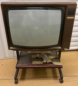 OLDSKOOL VINTAGE GRUNDIG TV AND STAND PLUS REMOTE CONTROL - £15 ONO