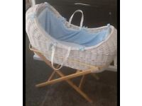 lovely moses basket