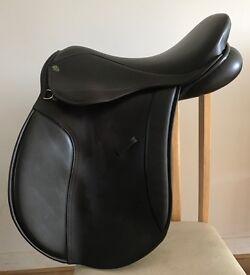 """17.5"""" medium wide dark Havana English heritage saddle"""
