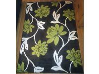Large Rug/Carpet (160x230cm) Mint Condition! FOR SALE!