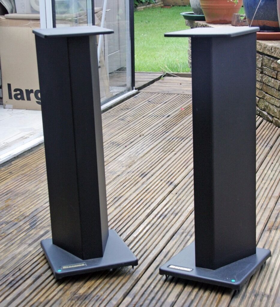 Speaker Stands With Sand Damping And Base Spikes To