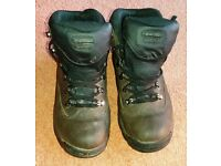 Size 7 Hi-Tec Ottawa Leather Walking Boots