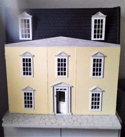 GEORGIAN DOLLS HOUSE - HAND BUILT TO 1/12TH SCALE