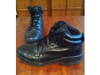 Magnum patrol boots (size 11)