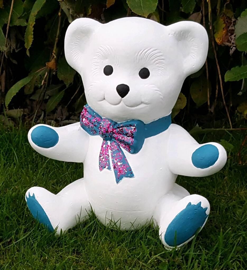 Teddy (white) ;cast stone garden ornament