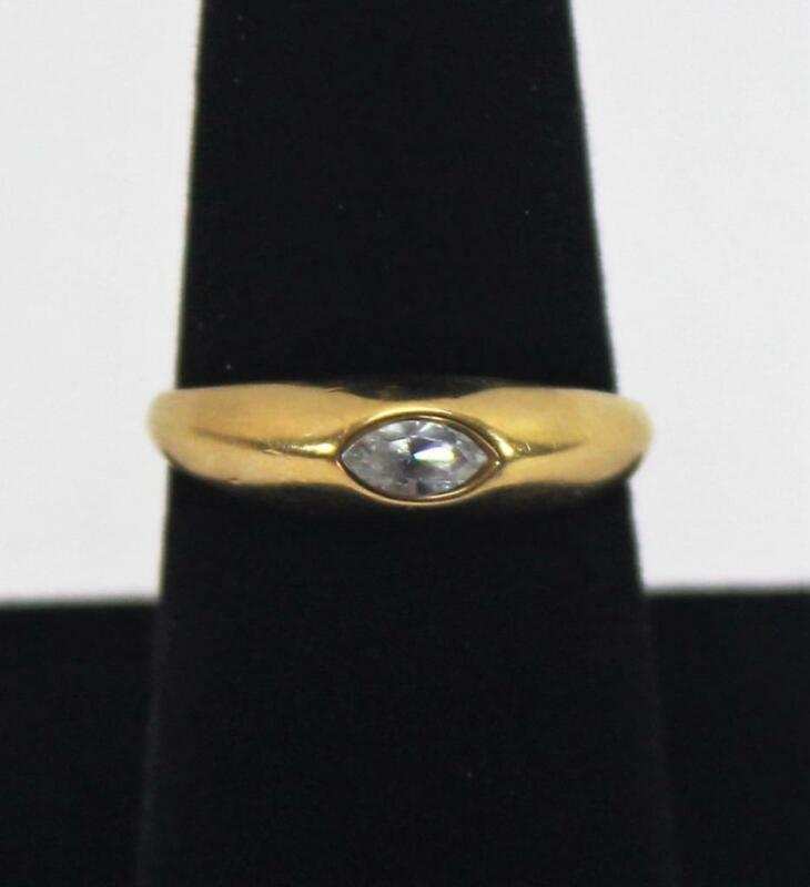 Ladies Vintage Gold Tone Band with Clear Rhinestone Ring Size 8